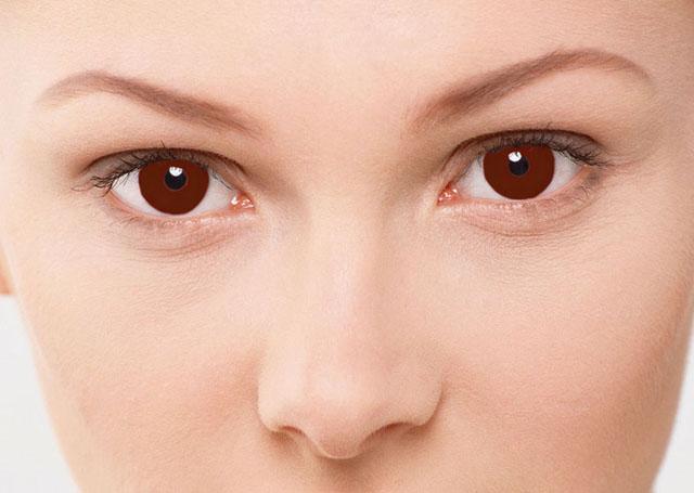 обои глаз карий